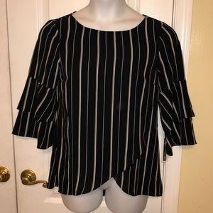 Agb women's black/white striped bubble crepe top S